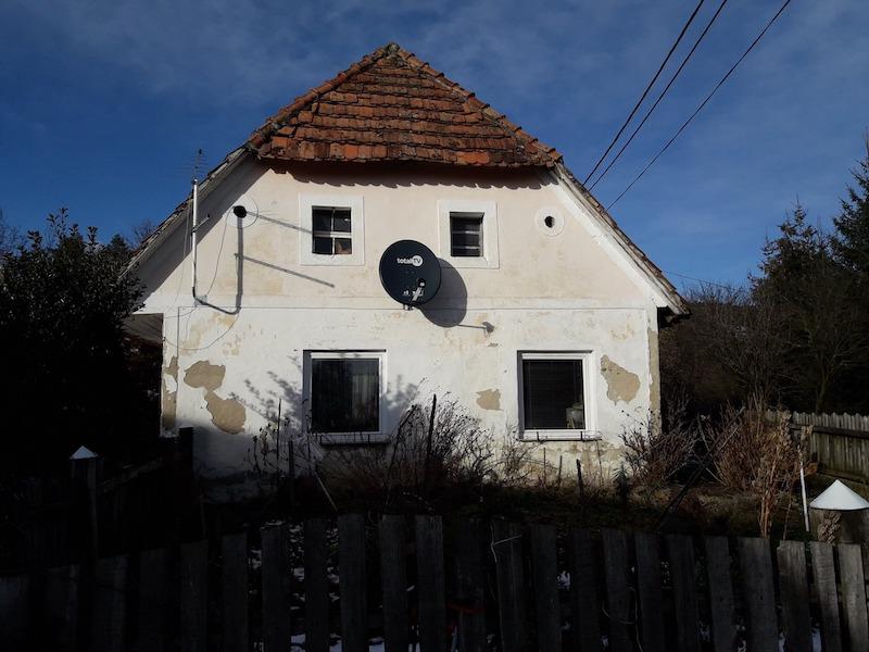 Družina Furjan stara streha